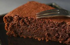 This one is epic. Almost flourless chocolate cake. Only Chocolate Cake Recipe, Chocolate Candy Cake, Chocolate Smoothie Recipes, Flourless Chocolate Cakes, Easy Smoothie Recipes, Sweet Recipes, Cake Recipes, Dessert Recipes, Delicious Recipes
