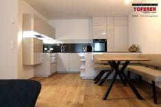 #InnenarchitekturToferer Table, Furniture, Home Decor, Furniture Shopping, Classic Furniture, Interior Architecture, Homes, Eten, Homemade Home Decor