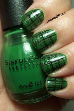 Ideas nails green silver nailart for 2019 Argyle Nails, Plaid Nails, Green Nail Designs, Cool Nail Designs, Bling Nails, Fun Nails, Silver Nails, St Patricks Day Nails, Fabulous Nails