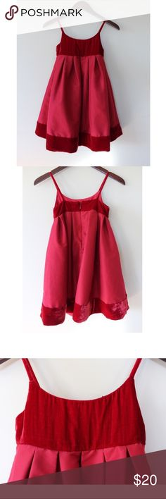 • GAP KIDS RED VELVET GIRLS HOLIDAY DRESS • Excellent used condition! Perfect for the holiday or upcoming family photos. Wear alone, with a light sweater or denim jacket! Size 6/7 in girls! GAP Dresses Casual