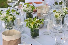 """An vielen Orten werden im Juli """" Diner en blanc"""" stattfinden, ein Abendessen ganz in weiß. Ursprünglich aus Paris kommend, werden diese als spontanes Picknick geplant und durchgeführt, …"""