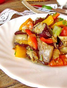 Тёплый салат из баклажанов и помидор. | Еда XXI века. Кулинарный блог Тимошина Алексея.