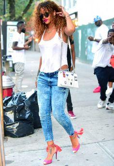 Rihanna está entre as celebs mais bem vestidas da semana.
