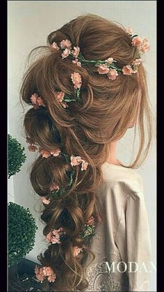 Photos of Romantic Bridal Hair Styles Most romantic bridal hairdo with thick loose braid and artfuly planted pink tiny flowers and green wines. Up Hairstyles, Pretty Hairstyles, Braided Hairstyles, Flower Hairstyles, Teenage Hairstyles, Princess Hairstyles, Hairstyles With Curled Hair, Hairstyle Ideas, Long Hair Updos