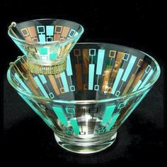 "Just one item in this ""Good Ol Summertime"" Treasury Atomic Blue Gold Moderne Chip Dip Set Anchor Hocking Vtg MIB Mid Century Decor, Mid Century House, Mid Century Style, Mid Century Modern Design, Vintage Kitchenware, Vintage Dishes, Vintage Glassware, Vintage Pyrex, Antique Dishes"