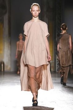 Uma Wang Fashion Show Ready to Wear Collection Spring Summer 2016 in Milan
