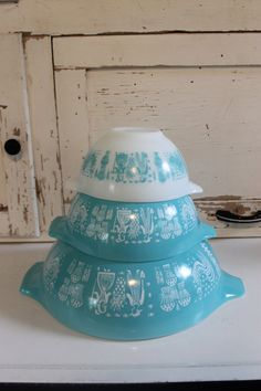 Pyrex+Turquoise+Butterprint+Cinderella+Bowl+by+SouthernVintageGa,+$55.00