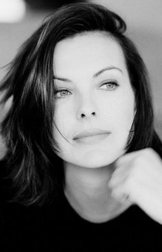 Carole Bouquet (French (actor (brunette (Bond (face/front (studio/b+w French Beauty, Timeless Beauty, Roger Moore, Carole, Bond Girls, Warrior Girl, French Actress, Jolie Photo, Black And White Portraits
