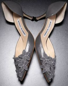 Manolo says, what better way to celebrate this auspicious day than with beautiful shoes from our patron saint, the Maestro di Tutti Maestri, Manolo Blahnik? Grey Shoes, Cute Shoes, Me Too Shoes, Fancy Shoes, Unique Shoes, Expensive Shoes, Manolo Blahnik Heels, Buy Shoes Online, Hot Heels