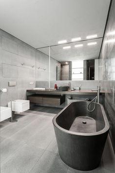 Фото интерьера ванной небольшой квартиры в стиле минимализм