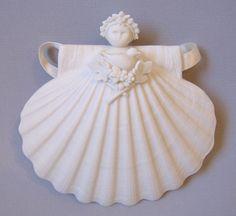 """Free Shipping MIB 4/"""" Flower Garland  Angel Margaret Furlong"""