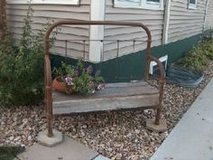 LOVE this bench made from an old iron bed!