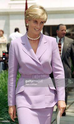 Princess Diana Fashion, Princess Diana Family, Princess Diana Pictures, Royal Princess, Princess Of Wales, Princesa Diana, Princesa Real, Lady Diana Spencer, Estilo Real