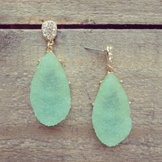 my favorite color!!! Turquoise! Prefect earrings