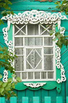 Kaftan.Sarafan: On Windows of Rural Russia
