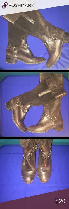 ETIENNE AIGNER❤️❤️❤️BOOTS Lovely boots worn twice only flaw is leather seems to be aging in some spots then boots are suede and leather and are very comfy Etienne Aigner Shoes Combat & Moto Boots
