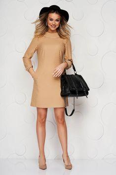 Rochie crem din material usor elastic cu un croi drept guler dublat si buzunare Dresses With Sleeves, Long Sleeve, Casual, Fashion, Moda, Sleeve Dresses, Long Dress Patterns, Fashion Styles, Gowns With Sleeves