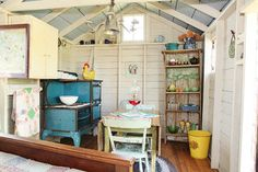 Every thought about how to house those extra items and de-clutter the garden? Building a shed is a popular solution for creating storage space outside the house. Whether you are thinking about having a go and building a shed yourself Backyard House, Backyard Sheds, Backyard Retreat, Garden Sheds, Backyard Office, Backyard Paradise, Garden Gate, Farm House, Country Cottage Interiors