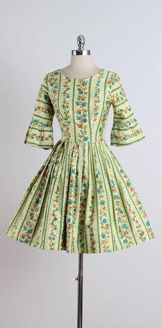 Pepin Picnic . vintage 1950s dress . vintage by millstreetvintage