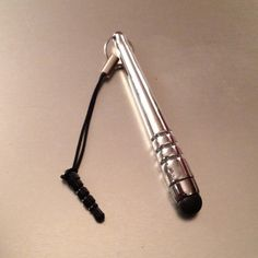 Nifty lil cell phone stylus for iphone, ipad, ipod and more!. A must have! And only $3 each!