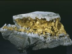 Gold in quartz from Western Australia-12x7cm © Giazotto collection