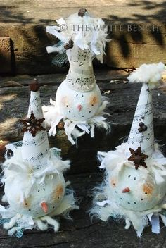 Tutorial for the vintage snowman (great way to recycle old bulbs or even lightbulbs)
