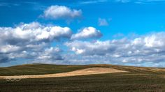 Simple ... - Simple and easy... Some landscape with clouds ... Shot with a Fuji XT1 and a Fujinion 50-140mm Lens.