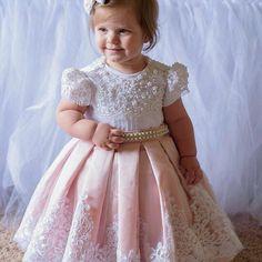 at Paula Sá on Instagra – Kids Fashion Baby Girl Party Dresses, Birthday Dresses, Little Girl Dresses, Baby Dress, Girls Dresses, Fashion Kids, Baby Girl Fashion, Toddler Fashion, Flower Girls