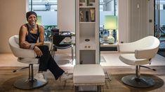 Isaac de Oliveira, Hamburger Coiffeur-Institution | STREIFZUG Media Hamburger, Fashion, Schmuck, Moda, Fashion Styles, Burgers, Fashion Illustrations