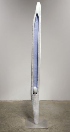Louise Bourgeois Untitled, circa Bronze, painted white and blue, and stainless steel x x cm / 68 x 12 x 12 Louise Bourgeois, Sculptures Céramiques, Art Sculpture, Abstract Sculpture, Contemporary Sculpture, Contemporary Art, Totems, Art Object, Oeuvre D'art