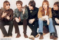 Oasis-Noel's face though. Oasis, Andy Bell, Liam And Noel, Michael J Fox, Noel Gallagher, Pink Photo, Best Rock, Cool Bands, Musica
