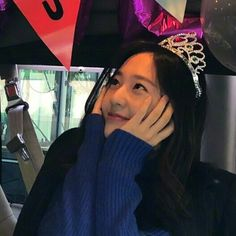 Discover recipes, home ideas, style inspiration and other ideas to try. Krystal Fx, Jessica & Krystal, Korean Girl, Asian Girl, Krystal Jung Fashion, Happy Birthday Girls, How To Pose, Korean Actresses, Ulzzang Girl