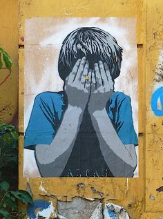 Alias Hamburg child hides face