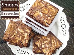 {Kaitlin in the Kitchen}: S'mores Swirled Brownies