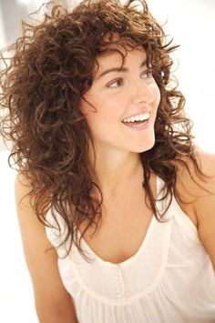 Curly Hair Tips ~ What if you've got curly hair and would love to wear lush, healthy, flouncy ringlets without the frizz natural curls can create? For Nick's Arrojo's personal tips and tricks, click style notes. Curly Hair Styles, Curly Hair With Bangs, Curly Hair Cuts, Long Curly Hair, Medium Hair Styles, Natural Hair Styles, Natural Curls, Frizzy Hair, Hair Medium