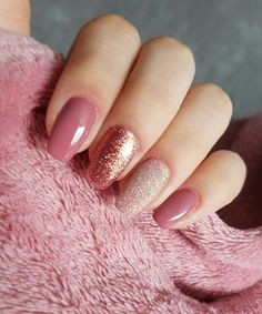 Most Gorgeous Glitter and Pink Wedding Nail Art Designs