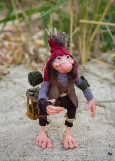 MYTHICAL CREATURE from the Deep Forest. Fairies and Goblins  Handmade. Ooak Doll. criatura fantástica por GoblinsLab. Criaturas Mágicas de Fantasía hechas a mano, por el artista plástico Moisés Espino. The Goblin´s Lab. Madrid, España. Criaturas de leyenda 100% hechas a mano y alimentadas en casa. Duendes, Hadas, Trolls, Goblins, Brownies, Fairies, Elfs, Gnomes, Pixies....  *Links:  http://thegoblinslab.blogspot.com.es/ https://www.etsy.com/shop/GoblinsLab http://goblinslab.deviantart.com/
