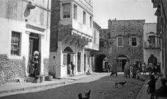 Πάνω Πλάτσα (πλατεία μεσαιωνικού οικισμού), Καλαμωτή Χίος, γύρω στα 1935 Έλλη Παπαδημητρίου Greece, Street View, Greece Country