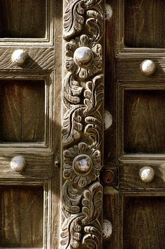 Africa   Detail of a carved floral centrepost from a Lamu door. Northern Swahili Coast. // Lamu Island Collection; photographs attribution Carol Beckwith, Angela Fisher, David Coulson and Nigel Pavitt