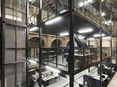 Une église abandonnée transformée en bureaux d'architectes