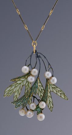 René Lalique - An Art Nouveau gold, enamel and pearl pendant, Paris, circa 1901. Signed ´Lalique´ and stamped with maker´s mark.