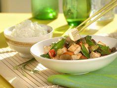 Wok mit Tofu und Gemüse ist ein Rezept mit frischen Zutaten aus der Kategorie Gemüse. Probieren Sie dieses und weitere Rezepte von EAT SMARTER!