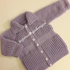 According to the little prince and princess knit in the desired color knit dress very stylish . Baby Cardigan Knitting Pattern, Baby Knitting Patterns, Crochet Baby, Knit Crochet, Kids Patterns, Raglan, Baby Sweaters, Filet Crochet, Fashion Kids