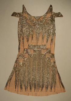 Evening dress Date: Culture: probably French Medium: silk, glass, metallic thread Dimensions: Length: 39 in. cm) Credit Line: Gift of Mrs. John A. van Beuren and Mrs. Samuel M. 20s Fashion, Art Deco Fashion, Fashion History, Vintage Fashion, Fashion Design, Textiles, Vintage Dresses, Vintage Outfits, Flapper Style