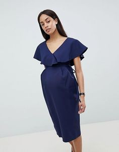 Discover the latest maternity and pregnancy clothing with ASOS. Shop for maternity dresses, maternity tops, maternity lingerie & maternity going-out clothes. Stylish Dresses, Stylish Outfits, Fashion Dresses, Pregnancy Wardrobe, Pregnancy Outfits, Asos Maternity, Maternity Dresses, Nursing Wear, Robes Midi
