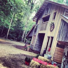 This site a some cute ideas.  cc    A Southern Rustic Barn Wedding
