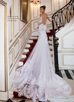 9580bfb6e7d Vestido de novia con espalda descubierta y cola larga Espalda Descubierta,  Vestidos Transparentes, Vestidos