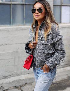 Oui à la veste en tweed girly destroy ! (blog Sincerely Jules)