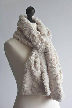 Light beige fur scarf with paillettes. Faux fur scafr in beige.