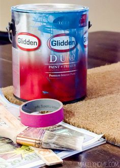 Brighten up underfoot! Click through to see how to paint a coir doormat. (@Lindsay Ballard @ Makely)
